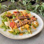 Xatonada- Ensalada de escarola con bacalao, anchoas y salsa xató