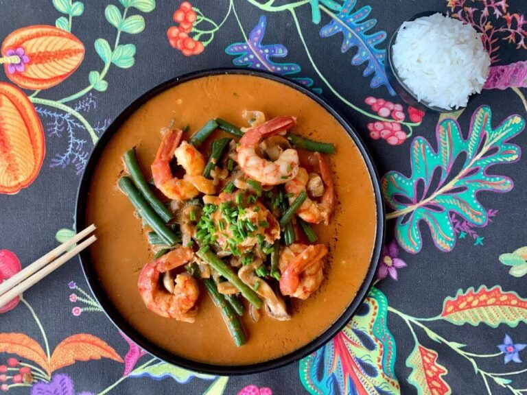 Lee más sobre el artículo Curry de gambas con verduras y arroz basmati